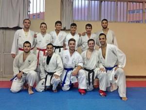 Entrenamiento en la sede del Karate Echeyde.