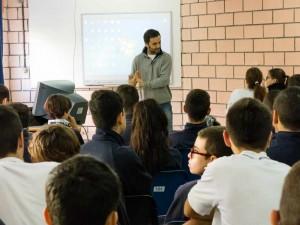 César Henríquez es profesor del Colegio Echeyde III.