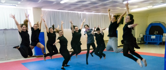 Danza Echeyde salta por los aires