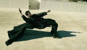 El filme The Matrix contiene escenas que pueden inspirar los Mannequin Challenge.