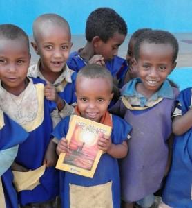 Llega el Libro Solidario de Poemas a Etiopía
